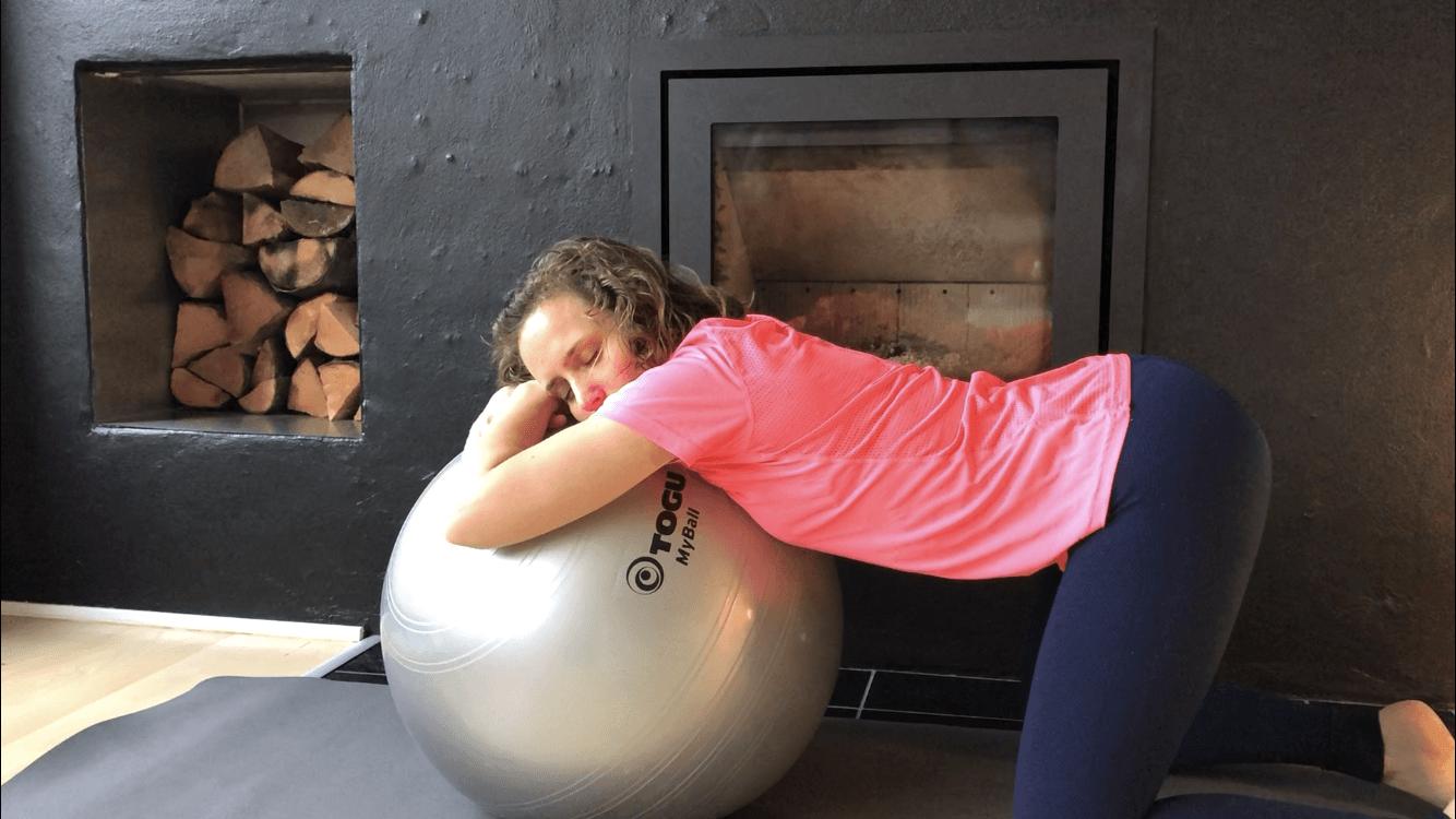 Bevægelse og afspænding under fødslen, naturlig smertelindring